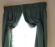 階段室窓のスタイルカーテン
