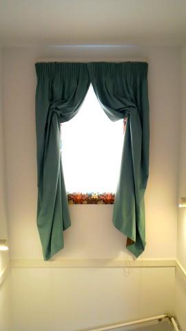 20階段室スタイルカーテン1