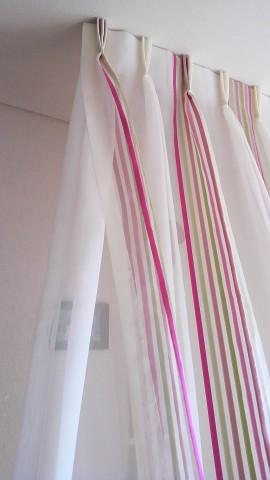 2仕切りカーテン2