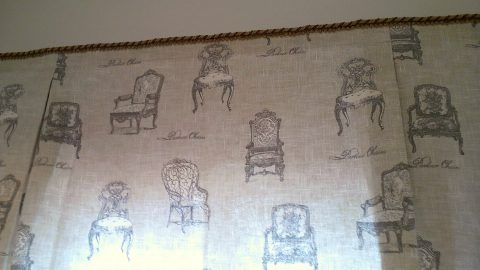 23椅子プリント生地