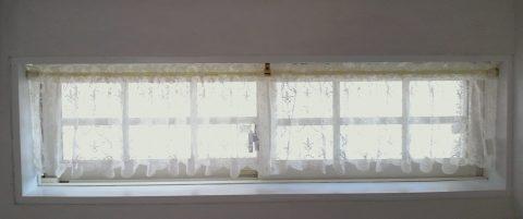 13カフェ・横長窓1