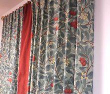 モリスのカーテン