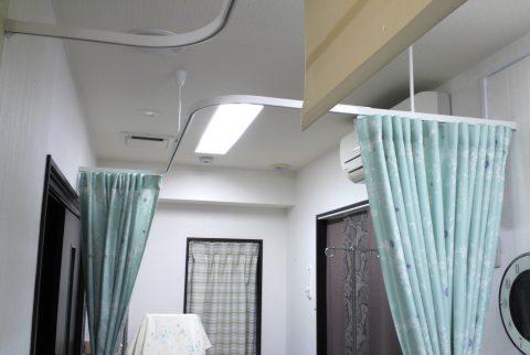 13病院間仕切りカーテン1