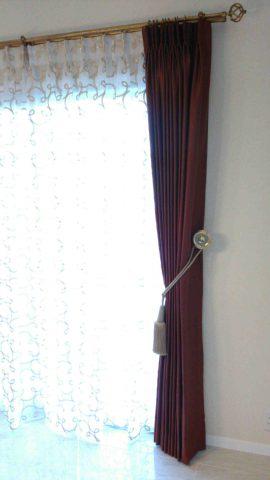 8トーソー真鍮カーテンホルダー1