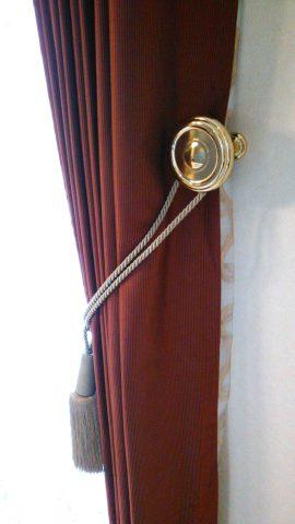 8トーソー真鍮カーテンホルダー2