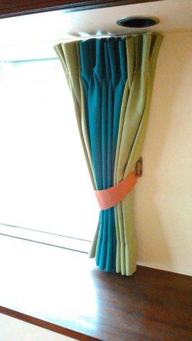 24切り替えカーテン1