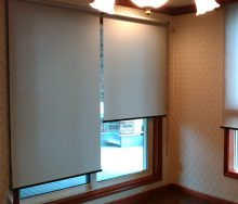 ロールスクリーン 2台割 カーテン・インテリアリフォームのブライト