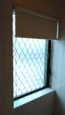 浴室ロールスクリーン