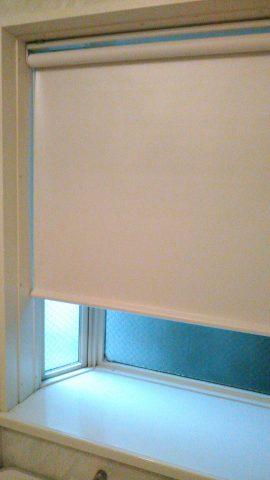 浴室ロールスクリーン2