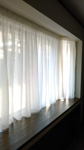 出窓 バルーンシェード2